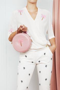 Fabienne Chapot Handtassen Roundy Bag Palm Embroidery Roze