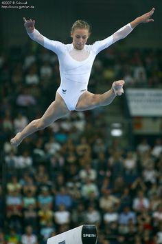 Everleigh Rose, Gymnastics Photography, Sport Gymnastics, Athletic Women, Women Athletes, Wallpaper, Amazing, Basketball, Sports
