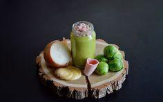 Recette bébé : Purée de choux de Bruxelles pomme de terre oignon et jambon (Dès 8 mois). Bébé va se régaler avec ce petit pot salé ! Un peu de verdure, parfait :)
