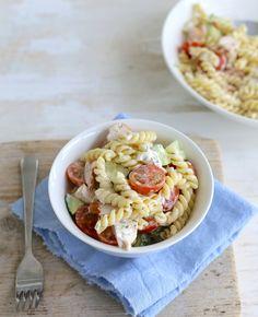 Deze pastasalade met kip is ideaal! Het is niet alleen ontzettend lekker, je…