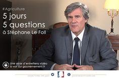 Le ministre de l'Agriculture aborde dans ces entretiens vidéo : la relation des jeunes à l'agriculture, l'agroécologie, le projet de loi d'avenir pour l'agriculture qui sera débattu au Parlement début 2014, la politique agricole commune 2014-2020 et la filière agroalimentaire bretonne.
