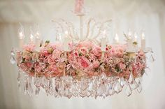 Shabby Chic crystal chandelier decorated with fresh flowers and pink roses just beautiful and ultra feminine Estilo Shabby Chic, Shabby Chic Style, Shabby Chic Decor, Shabby Chic Cottage, Vintage Shabby Chic, Shabby Chic Homes, Rose Cottage, Cottage Style, Floral Chandelier