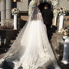 #vagikgoarwedding #vaikgoarik_wedding #wedding #weddings #weddingday #weddingdress #weddingphotography #instagramanet  #weddingphotographer #weddingparty #weddingcake #bride #bridesmaid #bridesmaids #eliesab #brides #happy #happyday #bestday #bestoftheday #balenciaga #love #forever #family #jacykay  #together #ceremony #zuhairmurad #marriage
