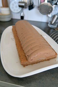 Maronischnitte - Bine kocht! Hot Dog Buns, Hot Dogs, Bread, Ethnic Recipes, Desserts, Food, Cooking, Cake Shop, Dessert Ideas
