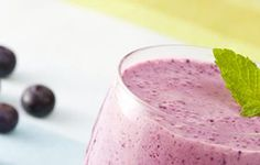 Whip up these flavorful and nutrient-packed fruit smoothies for the perfect sweet summer treat. Quick Healthy Meals, Healthy Recipes, Fat Smash Diet, Fruit Smoothie Recipes, Summer Treats, Drinks, Sweet, Food, Drinking