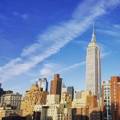 Thanks for always providing #justright photo ops from the #ShelburneNYC rooftop, @empirestatebldg. | #regram @collectingmiles