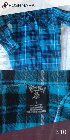 🐎Flannel 🐎 Tag says small but fits as womens M/L 100% cotton Blue Gear Tops Button Down Shirts