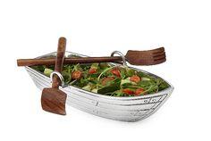 ROW BOAT SALAD BOWL WITH WOOD SERVING UTENSILS.      サラダボウルにモサッと野菜を入れて食べたい。時に、体が野菜を欲してやまないことがあります。そして、そのサラダを入れるお皿と言えば...