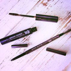 Consiga o novo look de sobrancelhas da Urban Decay com Brow Tamer e Brow Beater.   Controle e molde as sobrancelhas ao seu gosto!  #urbandecay #browtamer #browbeater #brows #makeup