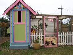 cute chicken coop design.  Similar to what I'm thinking
