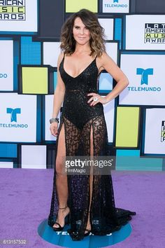 HOLLYWOOD, CA - OCTOBER 06: Kate del Castillo arrives at the... #villaluengadelrosario: HOLLYWOOD, CA - OCTOBER 06:… #villaluengadelrosario