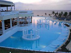 Grand Palladium Lady Hamilton Resort & Spa Montego Bay - Jamaica. Swim-up bar <3