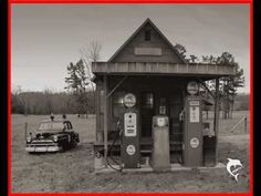 Old Arkansas gas station I love old gas pumps! Old Gas Pumps, Vintage Gas Pumps, Vintage Auto, Vintage Tools, Vintage Cars, Old General Stores, Old Country Stores, Drive In, Old Photos