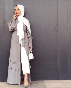 Hijab Fashion Nuriyah O Martinez diya Hijab Chic, Modest Fashion Hijab, Arab Fashion, Islamic Fashion, Muslim Fashion, Hijab Outfit, Hijab Dress, Hijab Mode, Mode Abaya