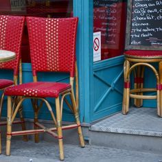 Retro Vibe:  Turquoise and Red(s) - Parisian style