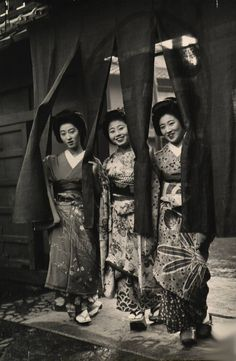 """From """"Geisha Party"""" series, Kyoto, 1946 by Alfred Eisenstaedt. °"""