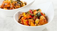 Quinua con ratatouille asado - Cook For Your Life Spicy Recipes, Veggie Recipes, Slow Cooker Recipes, Vegetarian Recipes, Cooking Recipes, Healthy Recipes, Vegetable Ratatouille, Vegetable Stew, Recipes
