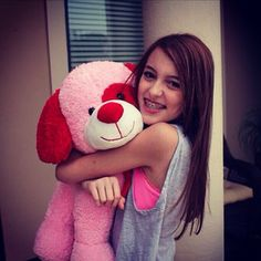 Kaelyn with teddy bear Valentine Picture, Be My Valentine, Seven Super Girls, Austin And Ally, Beautiful Smile, Supergirl, Girl Pictures, Photography Poses, Teddy Bear
