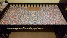 Moje asylium: Biurko zrobione z... łóżeczka
