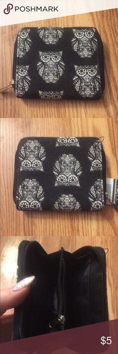 Mini Owl Wallet Brand new, never been used! Cute little owl wallet! Rue21 Bags Wallets