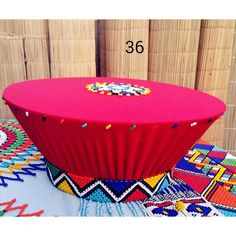 Zulu traditional basket hat The logo - Zulu traditional basket hat Isicholo - Zulu Traditional Attire, Zulu Traditional Wedding, African Traditional Dresses, Traditional Outfits, African Hats, African Attire, Traditional Baskets, Traditional Decor, Velvet Cake