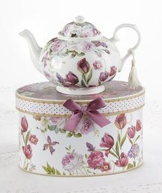 Tulip Porcelain Teapot in Gift Box - Roses And Teacups