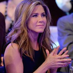 Jennifer Aniston 90s, Jennifer Aniston Pictures, Leonardo Dicaprio, Brad Pitt, Suzy, Rachel Green Style, Hair Inspiration, Hair Cuts, Actresses