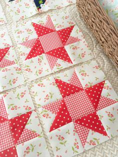 Star Spangled BOM with Fort Worth Fabric Studio: Corner Stars Quilten mitgenommen Diy Quilt, Colchas Quilt, Easy Quilts, Patch Quilt, Scraps Quilt, Star Quilt Blocks, Star Quilts, Mini Quilts, Block Quilt