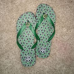 Shoes Tory Burch flip flops!! Tory Burch Shoes Sandals