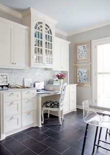 Check Out 23 Traditional Home Office Designs To Work In Style. Traditional home office interior design will make you feel at home during your work hours which will make you feel more confident and free. Kitchen Office Spaces, Kitchen Desk Areas, Kitchen Desks, Kitchen Interior, Home Office Inspiration, Office Ideas, Desk Ideas, Room Ideas, Kitchen Inspiration