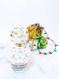 See 3 Bloggers Put a Festive Twist on This Holiday Scent via @WhoWhatWear