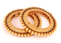 P N Gadgil & Sons (PNG): Light weight gold bangles designs for women with price in India. Buy online gold deginer bangles for daily use. Indian Wedding Jewelry, Indian Jewelry, Bridal Jewelry, Gold Jewelry, Women Jewelry, Fashion Jewelry, Fine Jewelry, Jewelry Art, Jewelery