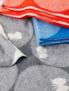 Blanket of butterfly of Akira Minagawa design of Mina Perhonen.
