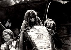 The Behind the Scenes Pic of the Day heals the crystal! Check out these rare Dark Crystal pics...