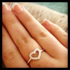 Pandora ring, heart- love  I want this ring so badly!