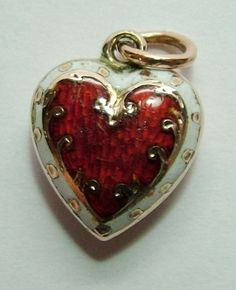 Victorian 9ct Rose Gold & Enamel Puffy Heart Charm                                                                                                                                                                                 Mais                                                                                                                                                                                 More