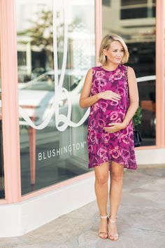 DRESS UP THE BUMP: the perfect floral dress to style the bump for date night, an event or wedding - The Style Editrix #maternity #pregnant #babybump