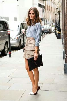 Sweatshirt / girly skirt