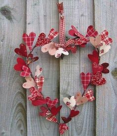 Valentine's Day heart wreath with fabric hearts. More DIY gift and craft ideas on Dagmar's Home. DagmarBleasdale.com