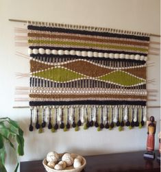 Tapestry Weaving, Loom Weaving, Home Crafts, Diy And Crafts, Basket Crafts, Boho Room, Woven Wall Hanging, Weaving Techniques, Rug Making
