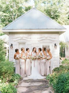 A gorgeous micro-wedding in the picturesque North Carolina Highlands | Highlands Real Weddings - Photographer MADELINE TRENT PHOTOGRAPHY | Magnolia Rouge: Fine Art Wedding Blog | Bridesmaids | Wedding Bouquets | Intimate Wedding Wedding Bridesmaids, Wedding Bouquets, Wedding Dresses, Bridesmaid Inspiration, Wedding Blog, Real Weddings, Fine Art, Bridal, Portrait