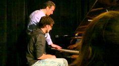 Benjamín Furman (recién llegad a estudiar en Berklee) junto al maestro Aaron Golberg
