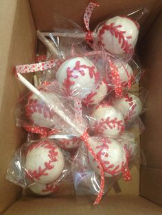 These were easy to make. Great for a baseball party at the end of the season. Baseball Cake Pops | Flickr - Photo Sharing!
