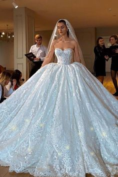 Wedding Dresses elegance to lovely, information number 8024504900 - Elegant and unique designs to inspire a really fabulous dress. Wedding Dress Mermaid Lace, Big Wedding Dresses, Applique Wedding Dress, Sweetheart Wedding Dress, Princess Wedding Dresses, Bridal Dresses, Gown Wedding, Tulle Wedding, Fluffy Wedding Dress