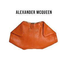 Clutch #AlexanderMcQueen De Manta maravilhosa por 1.980,00! 🌟🌟🌟 #_prettynew…