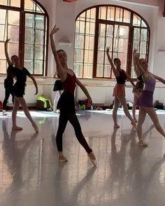 Ballet Gif, Ballet Dance Videos, Dance Choreography Videos, Ballet Class, Ballet Dancers, Ballet Posters, Dance Dreams, Ballet Images, Ballet Photography