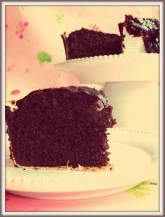 briciole #free: Essenziale.. una torta al cioccolato che si crede light!