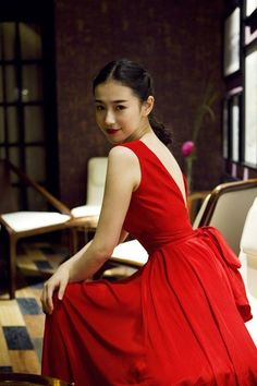 Chinese women in red