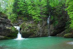 kleine Wasserfälle.Giessenfall (nesslau) Gods Creation, Outdoor, Waterfall, Switzerland, Hiking, Viajes, Outdoors, Outdoor Games, The Great Outdoors