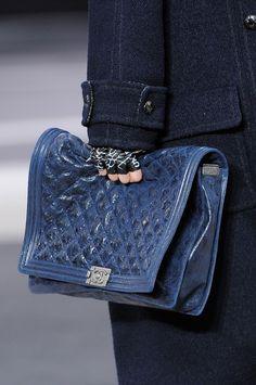 Dodatki z pokazu Chanel jesień-zima 2013, fot. Imaxtree